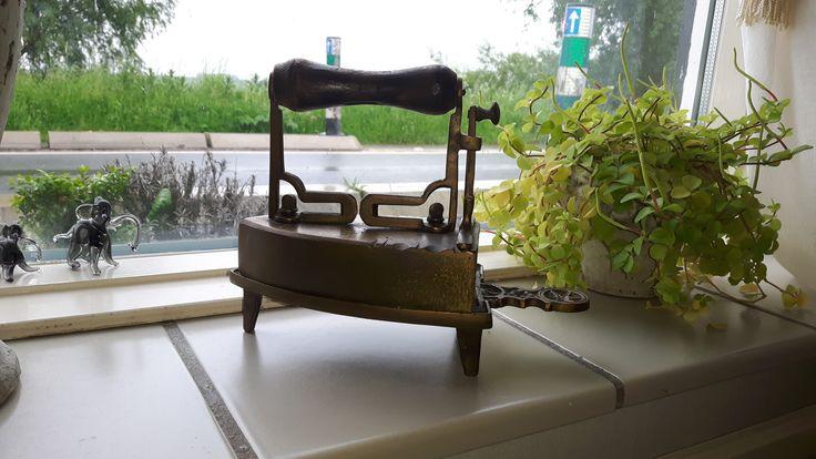 Oud strijkijzer, eigen collectie