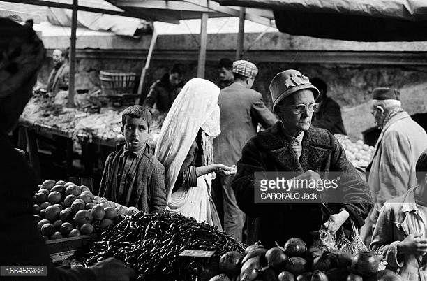 Bab El Oued End Of 1962 Le 30 novembre 1962 après les accords d'Évian du 18 mars 1962 mettant fin à la guerre et l'indépendance de l'Algérie le 5...