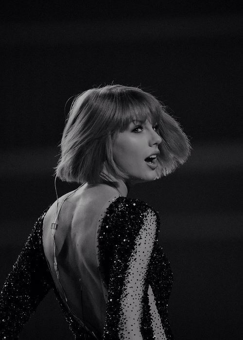 "Taylor Swift performing ""Out Of The Woods"" at the GRAMMYs 2016 in Los Angeles, CA. on February 15, 2016."