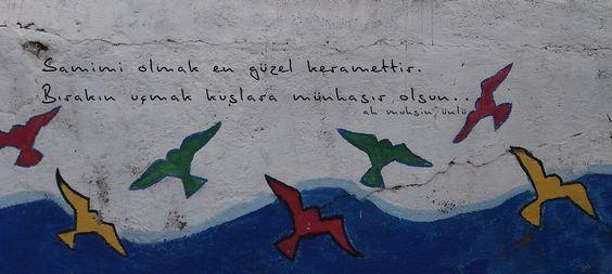 Samimi olmak en güzel keramettir. Bırakın uçmak kuşlara münhasır olsun...  - Ah Muhsin Ünlü  #sözler #anlamlısözler #güzelsözler #manalısözler #özlüsözler #alıntı #alıntılar #alıntıdır #alıntısözler #şiir #edebiyat