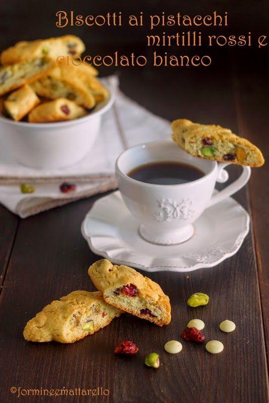 formine e mattarello: Biscotti con pistacchi, mirtilli rossi e cioccolato bianco