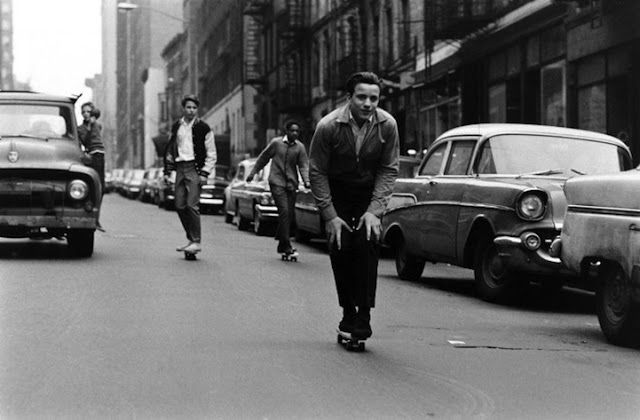 Skateboarding in New York City as pictured by photographer Bill Eppridge in 1965. vintage everyday: Skateboarding in New York City, 1960s