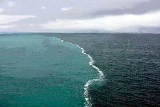 point where atlantic and indian oceans meet but do not mix