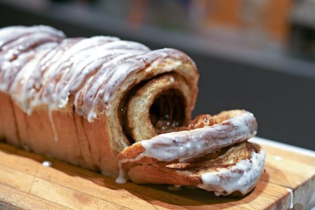 Cinnamon Roll Pull Apart Bread   Breakfast Best   Pinterest