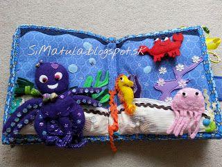 Chobotnička píska, v chápadlách ma gumičky - naťahujú sa.V medúze je rolnička, piesok obsahuje vo vnútri polystyrénové guľôčky, pohybujú sa mušličky.