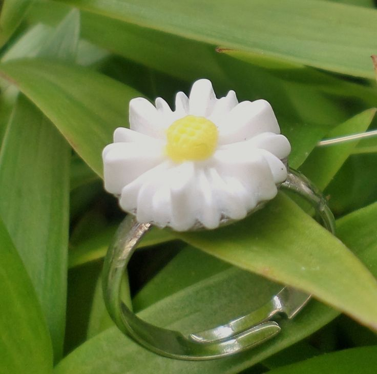 Midi Daisy Ring. www.elsiegrace.bigcartel.com