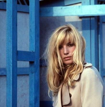 Monica Vitti Blonde, beige, bleu | chicks | Long hair ...