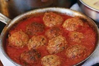 meat balls: Tomatoes Sauces, Fun Recipe, Ricotta Chee, Homemade Sauces, Ground Beef, Meatballs Recipe, Shops Cookbook, Popular Recipe, Meatballs Shops