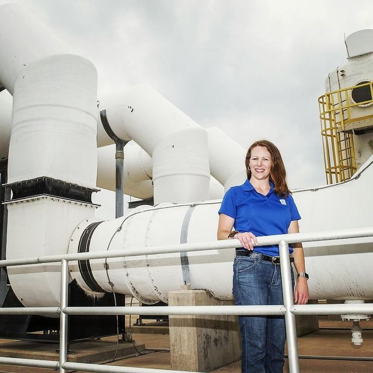 Celebrating #AmericanBusinessWomensDay - Today we honor the accomplishments and contributions of millions of women in the workforce. Jenna Covington Assistant Deputy Director of Wastewater is one of the many successful women at NTMWD and the highest ranking woman in our organization. A graduate of Texas Tech University's environmental engineering programs and a licensed professional engineer Jenna leads a staff of more than 185 team members who operate and maintain 14 wastewater treatment…
