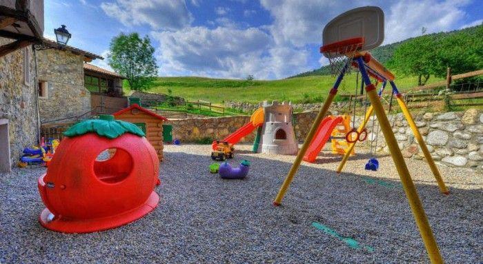 ¿Quieres conocer 10 casas rurales ideales para ir con niños en España? Estas son perfectas para pasar unos días en familia disfrutando de la naturaleza.