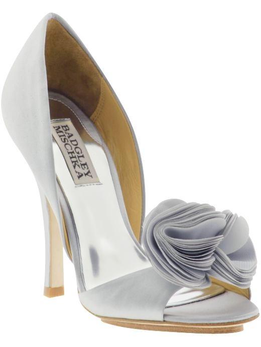 Zapatos para novia e invitadas de boda.   http://www.bodacor.com/bodas-zaragoza-huesca-teruel-pamplona/categorias/novia/accesorios-complementos?term_node_tid_depth=all