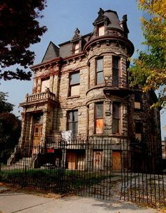 Abandoned Franklin Mansion in Cleveland, OH. Rumored to be the most haunted place in the state.