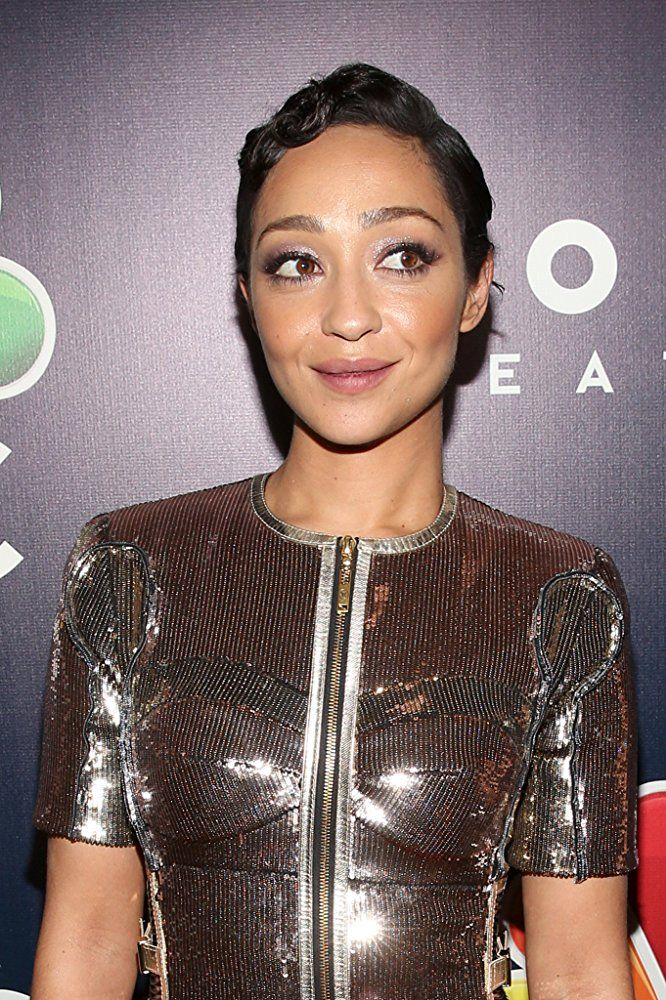 Ruth Negga at an event for The 74th Golden Globe Awards (2017)