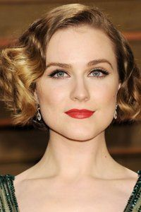 <center>Evan Rachel Wood creates a decadent Hollywood glamour look by adding curls to her bob hairstyle. Don't forget your red lippie.