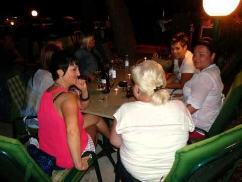 Baška Voda 2014 - bungalovy Uranija, oslava narozenin Táni.  #BaškaVoda #Baškopolje #Adria #Jadran #Chorvatsko #Hrvatska #Croatia #Kroatien #Dalmácie #Dalmatien #dovolená #cestování #travel #travelling #Urlaub http://jhrdy.webgarden.cz/rubriky/chorvatsko-2013/baska-voda