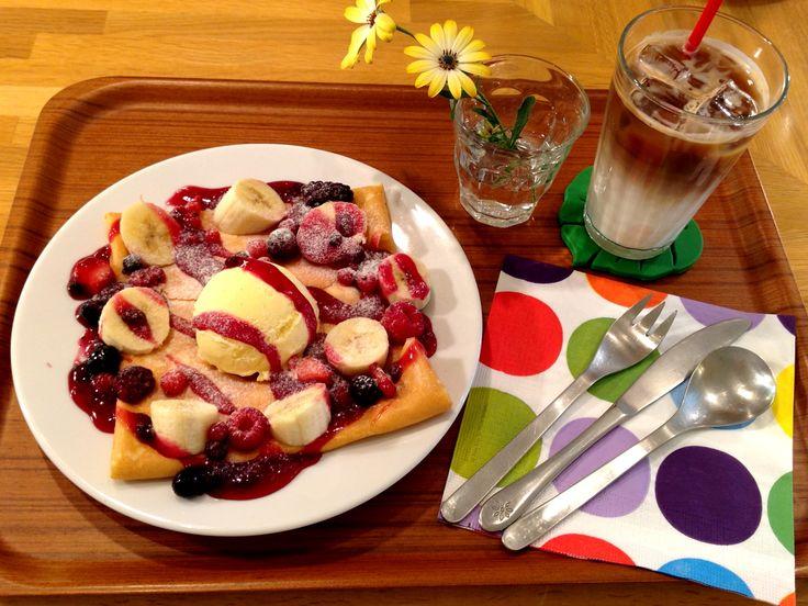 Berry  Crêpe with Vanilla Ice cream