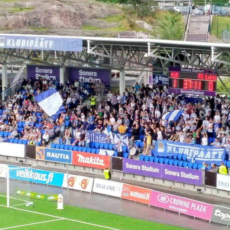 Football: HJK:n kannustusryhmälle on annettava plussaa äänekkyydestä. HJK v FCLahti1996. Helsinki 12.8.2015. Photo Jukka Kolari, Coriosi www.coriosi.com