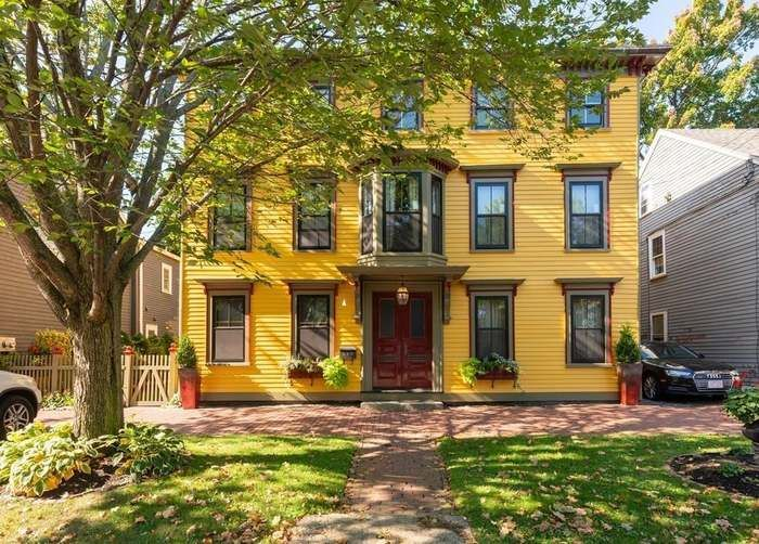 12 Winter St 1 Salem Ma 01970 House Styles Real Estate Sales Condo Living