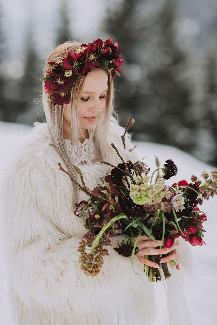 Ideen Fur Die Winterhochzeit In Den Bergen In Rot Brautstrauss