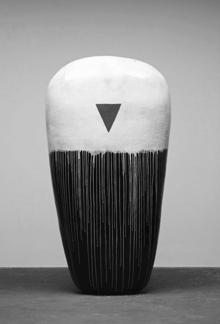 black and white - ceramic - Jun Kaneko