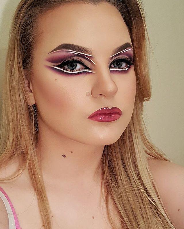 Makeup is medicin to the sole 😍 couldt sleep, solution, experimenting with makeup😄  #makeup #makeupmadness #makeupfun #makeupaddict #makeupartist #makeupartistry #makeupartistsworldwide #selftaughtmua #selftaught #funwithmakeup #creative #creativemakeup #makeupisart @anastasiabeverlyhills #dipbrowchockolate  @sleekmakeup #idevine #enchantedforest @thebalm_cosmetics #meetmattehughes #liquidlipstick #charming @nyxcosmetics #softmattelipcream @makeupforeverofficial #HDfoundationstick