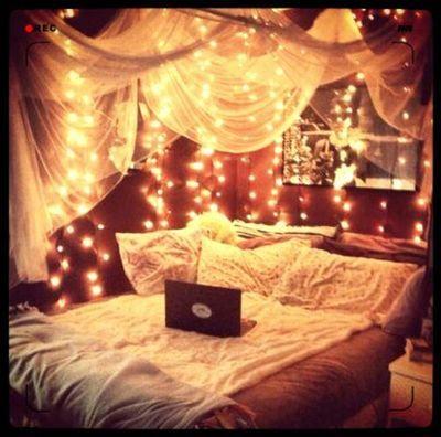 doyoubelieveinfariytales:  College dorm on We Heart It.