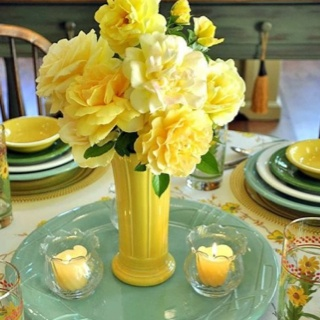 yellow flower arrangement #centerpiece