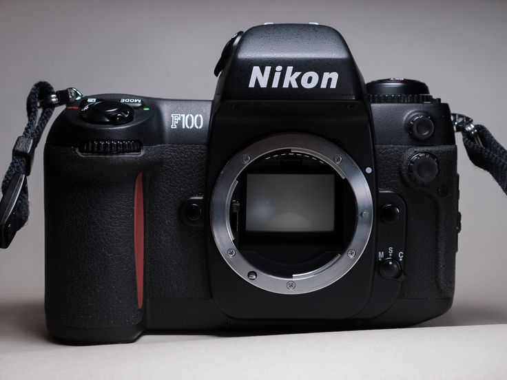Nikon F100 - 1999