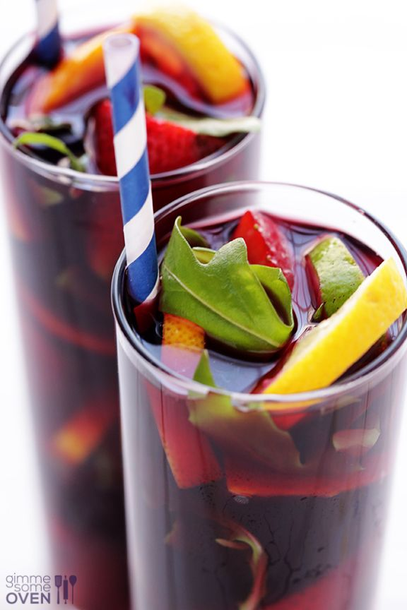 The BEST Sangria Recipe   gimmesomeoven.com
