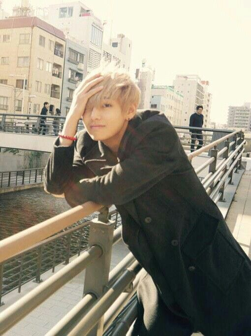 Pinning again because V is so hot here :)