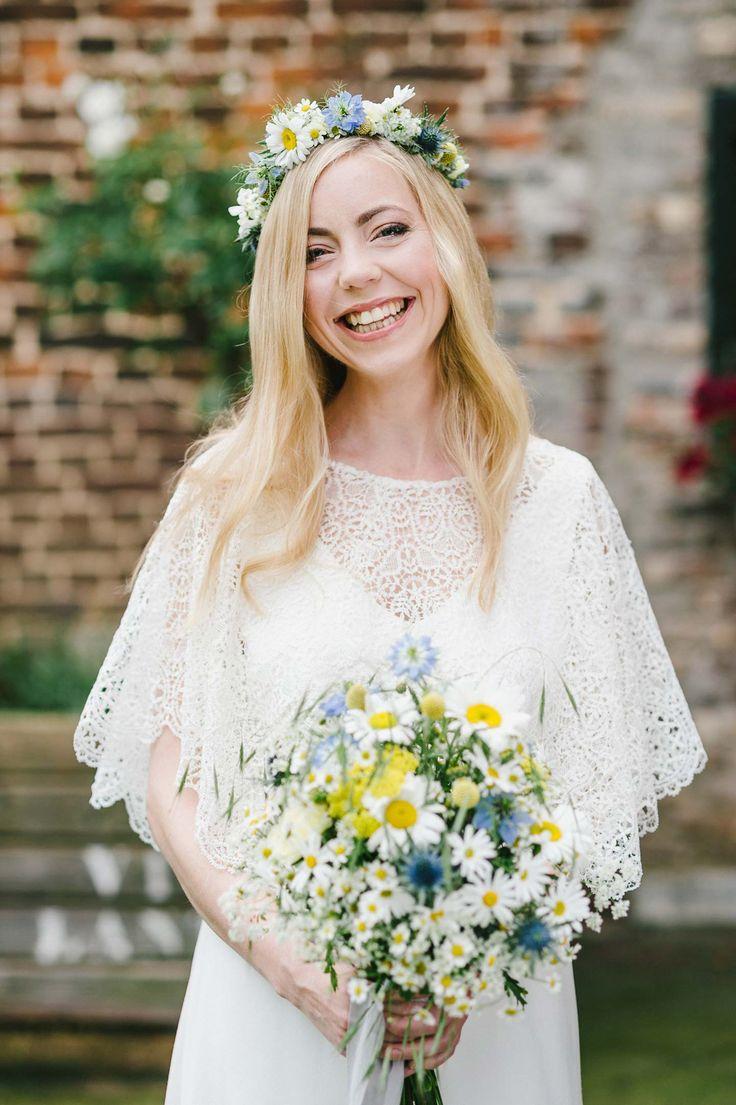 Swedish Midsummer: Boho-Liebe unter freiem Himmel HANNAH GATZWEILER http://www.hochzeitswahn.de/inspirationsideen/swedish-midsummer-boho-liebe-unter-freiem-himmel/ #wedding #boho #bride