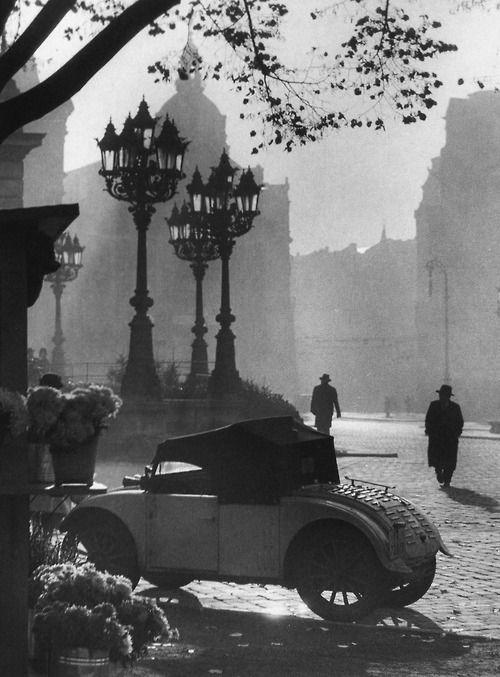 Frankfurt Opera House 1934  Photo: Paul Wolff