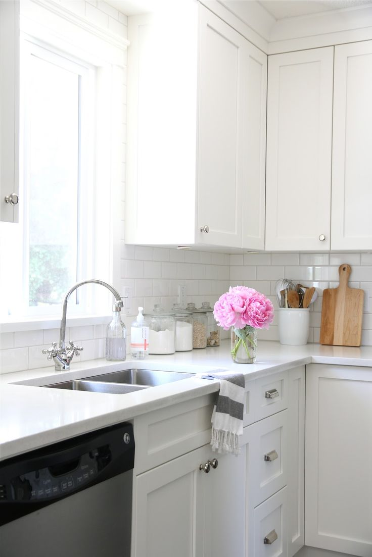 White Kitchen With Island: 25+ Best Ideas About All White Kitchen On Pinterest
