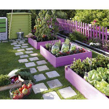 carré potager peint en rose + petites dalles carrées