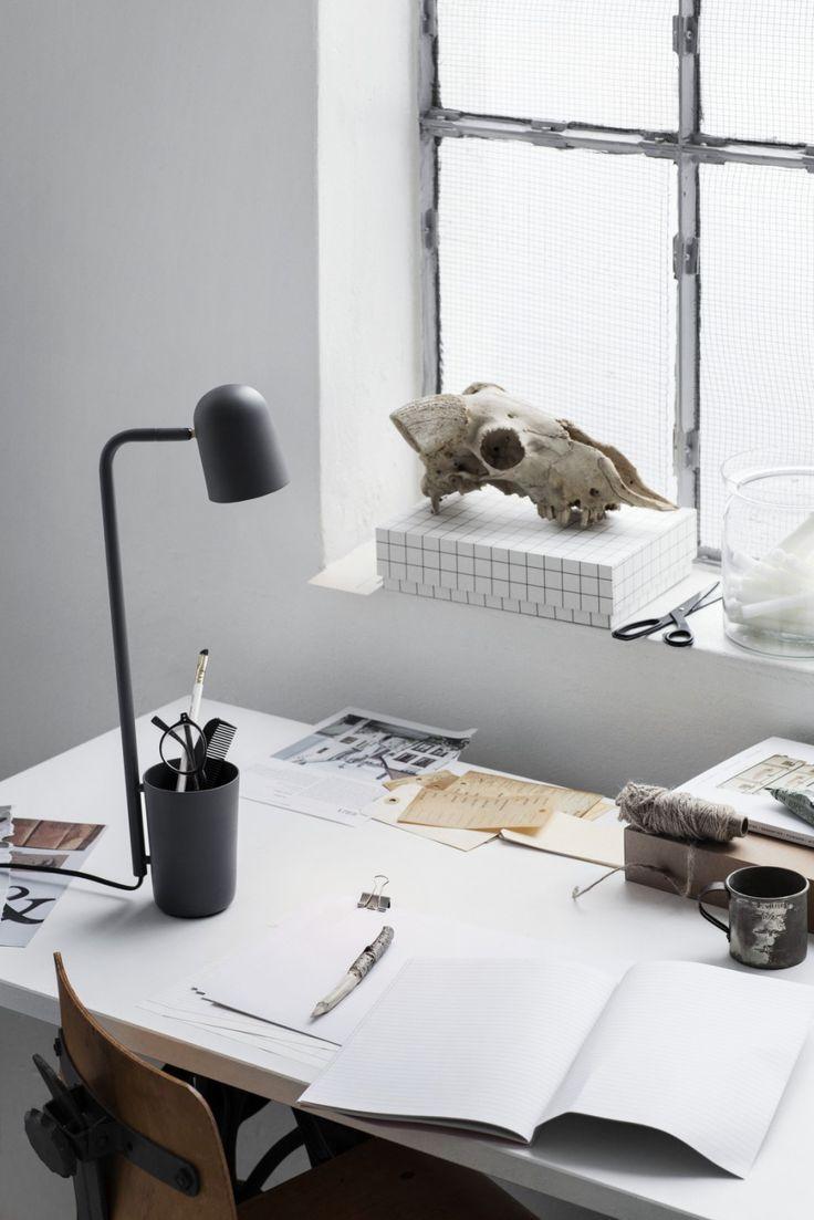 Buddy_Dark_Grey_on_desk_portrait – Low res_Photo_Chris Tonnesen