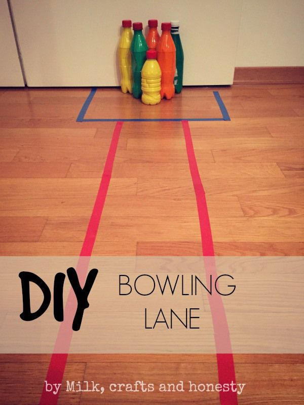 Children like playing with balls, they like to build, they like to make things fall. It sounds like a DIY bowling alley should occupy them for a while, ha?