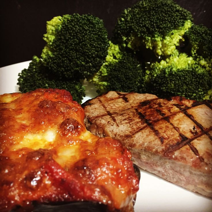 Steak with aubergine pizza and broccoli