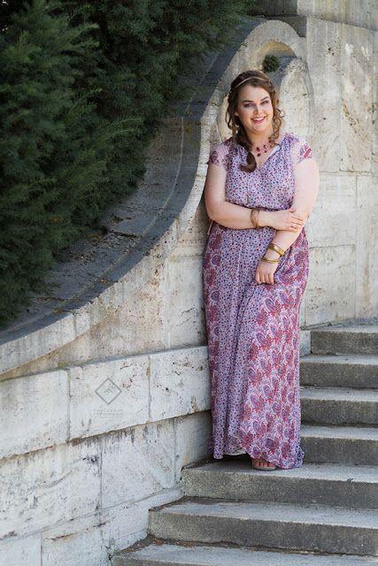Rosa-lila Muster Maxi-Kleid griechisch von Violeta by Mango  | Plus Size Fashion Outfit