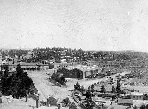 Bendigo Railway Station in Victoria in the 1890s.