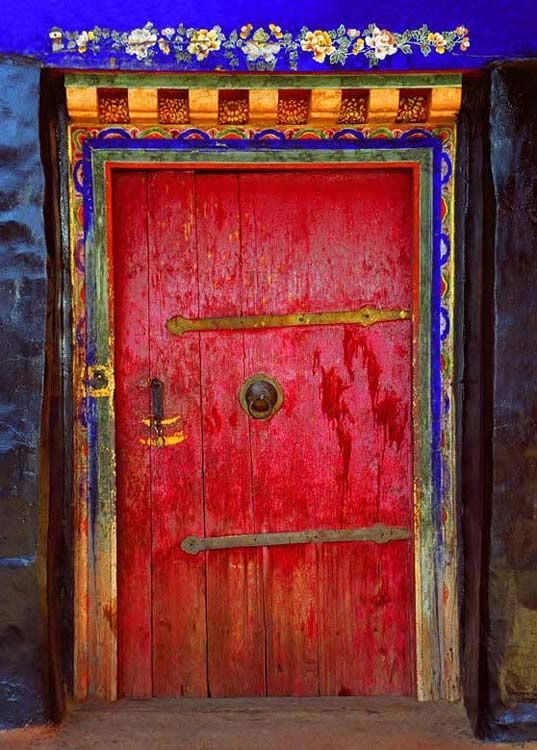 TibetDoors, Primary Colors, Red Doors, Bedrooms Colors, Rustic Doors, Painting Doors, Beautiful Doors, Colors Schemes, Decor Doors