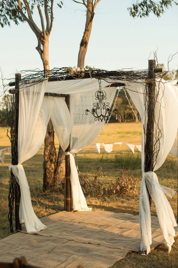 Queensland Brides: Country/Vintage Styling Theme #1 - Natural Charm