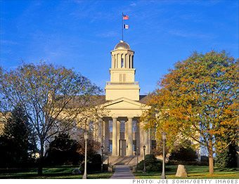 25 Best Places to Retire 2012 Iowa City, IA - For the better part of a century, this city has been a destination for writers who flock here for the University of Iowa's world-renowned writing workshops. But you needn't be an aspiring John Irving to appreciate the city's appeal.