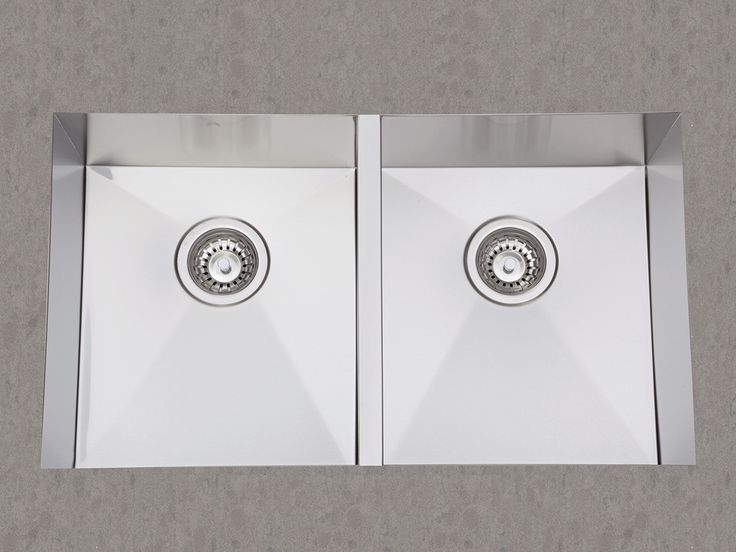 750 Double Undermount Sink