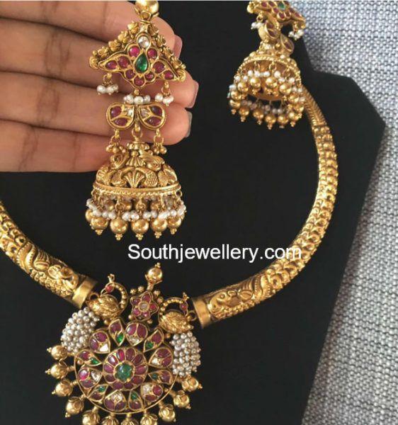 Kanthi Necklace and Jhumkis Set photo