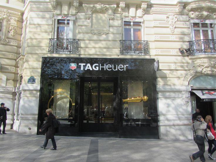 TAG Heuer en Champs Elysees