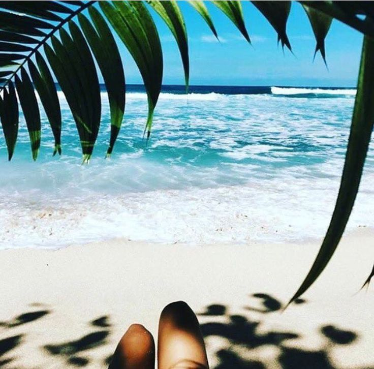 Weekend dreaming!!!! Happy hump day!! ��. . . . . #ozskin #balense #hairremoval #injectables #robina #consult #antiwrinkle #goldcoast #micro #ozskinrobina #australianskinclinics #asc #lips #hairfree #cosmeticnurse #pigmentation #registerednurse #antiaging #acne #brightening #peels #laser #techs #refreshed #cosmetic #dermalfiller #volume #cryodefine #cosmeticclinic #medispa http://ameritrustshield.com/ipost/1551842445585720794/?code=BWJQHt0gqXa