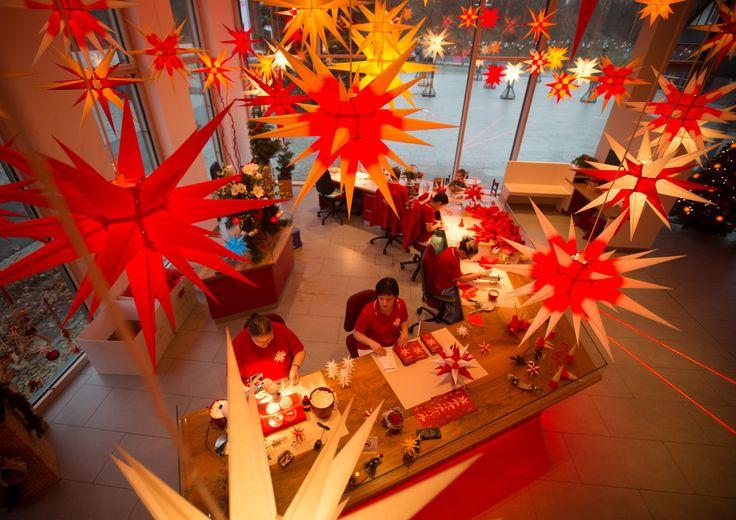 die besten 25 herrnhuter sterne ideen auf pinterest weihnachtsdekoration stern beleuchtet. Black Bedroom Furniture Sets. Home Design Ideas