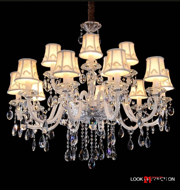 Crystal dining room chandeliers room crystal chandeliers for Beautiful dining room chandeliers