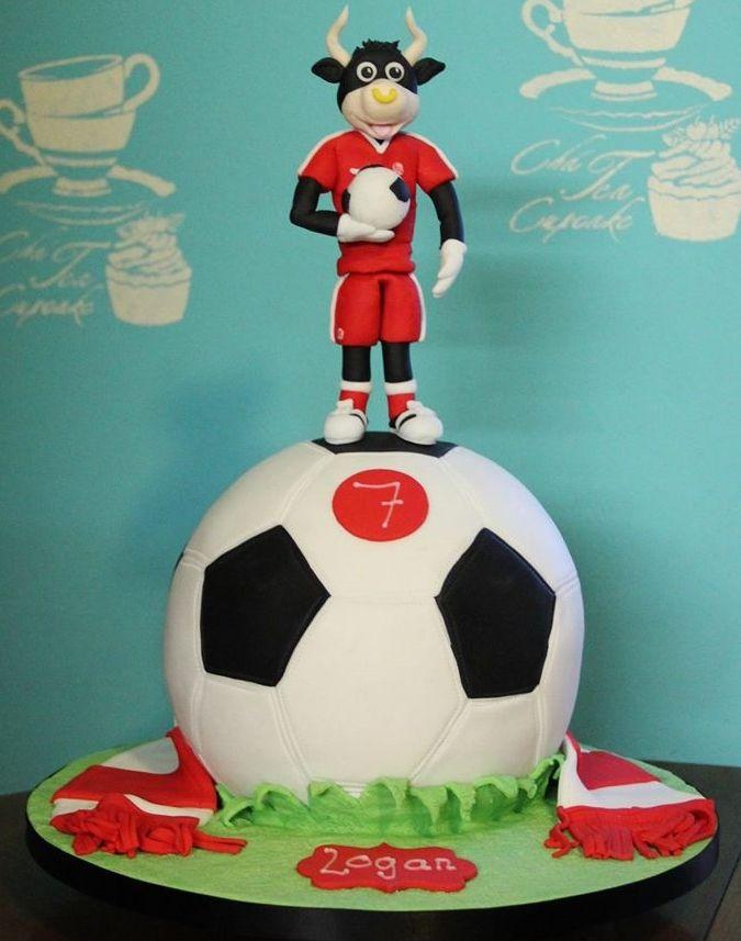 Aberdeen Angus Bull Birthday Cake  https://www.facebook.com/SimpleWishCakes?ref=hl