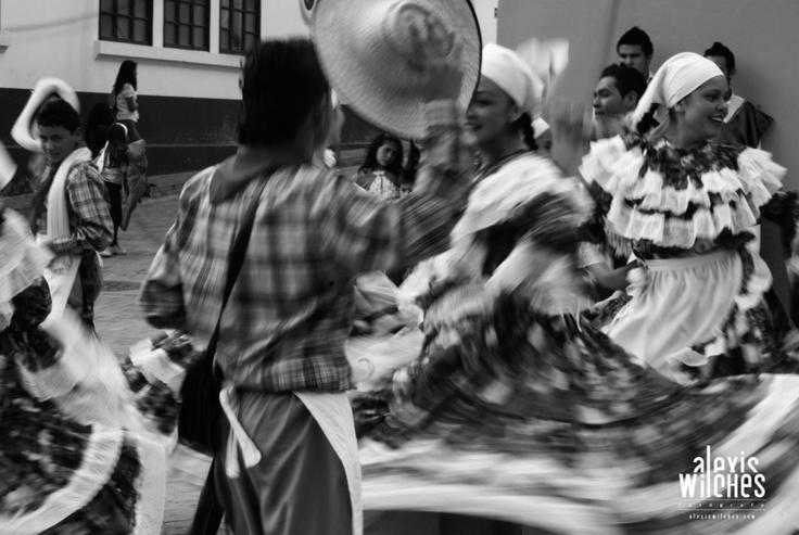 Dancing in Nemocón - Cundinamarca (Colombia)